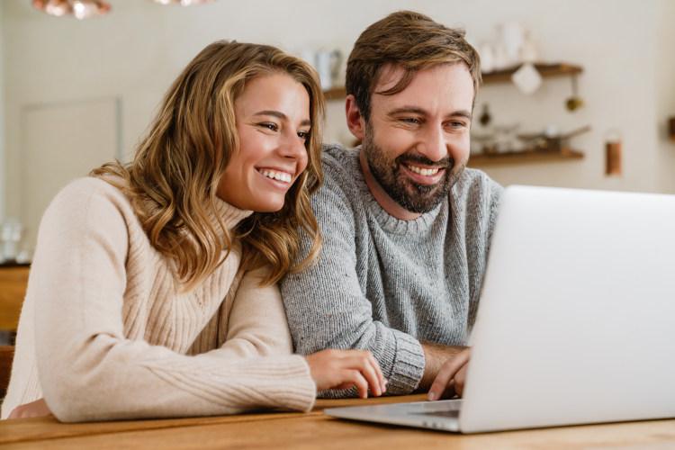 Risikolebensversicherung Ehepaar jung